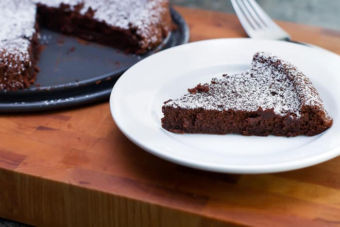 Flourless Chocolate Cake | girlgonegourmet.com