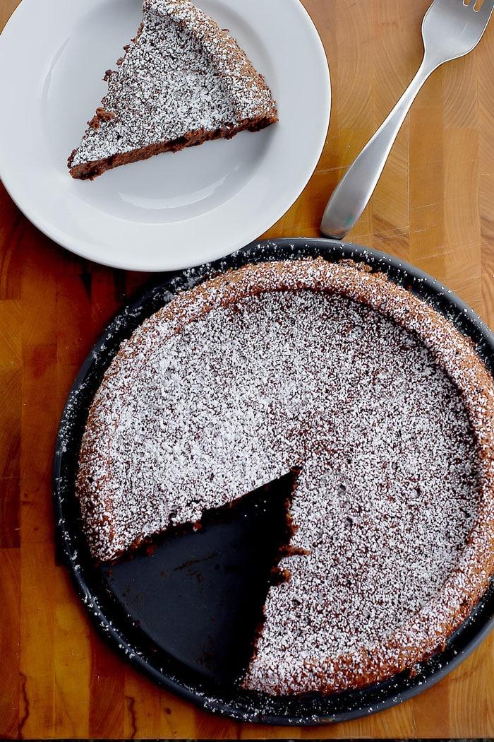 Flourless Chocolate Cake with powdered sugar