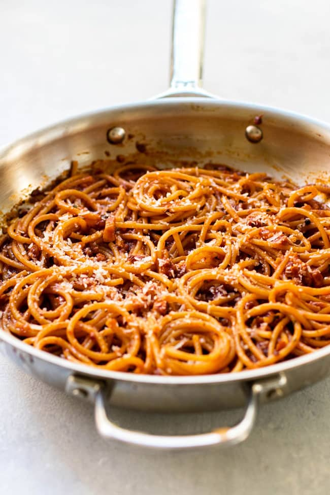 Bucatini all'Amatriciana in a skillet