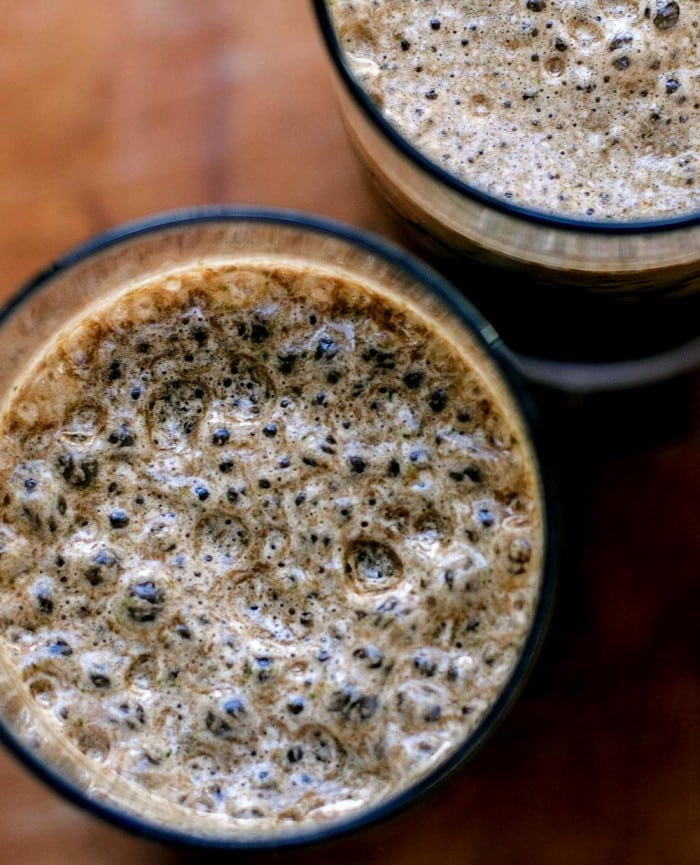 A mocha smoothie with chocolate
