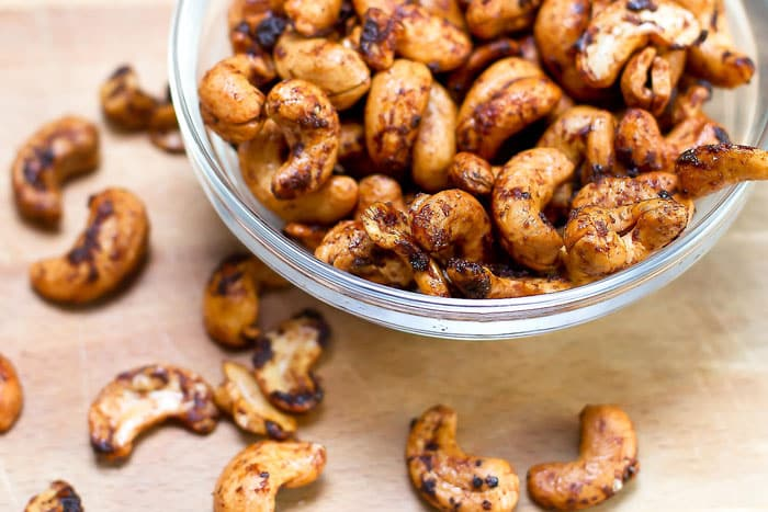 sweet and smokey cashews in a bowl