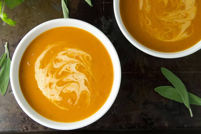 overhead photo of a bowl of butternut squash soup