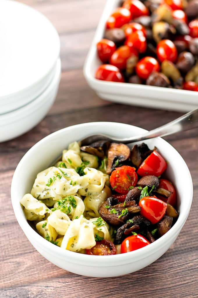 Creamy-Pesto-Tortellini-with-Roasted-Mushrooms-and-Tomatoes-2