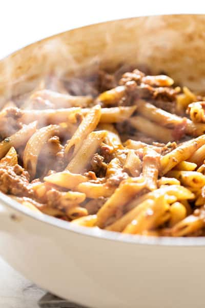 Easy to make and easy to clean-up! 30 Minute One Pan Beef Penne | girlgonegourmet.com