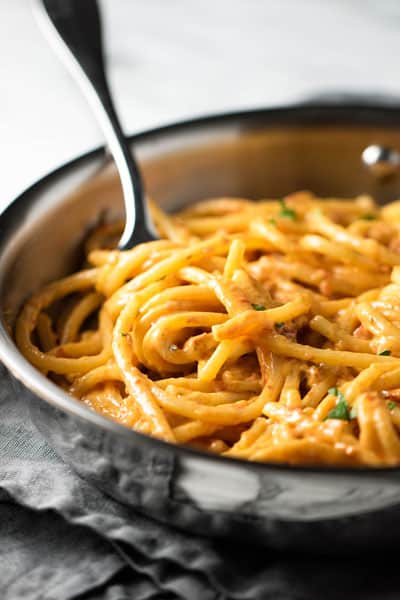 5-Ingredient Sun Dried Tomato Alfredo | girlgonegourmet.com