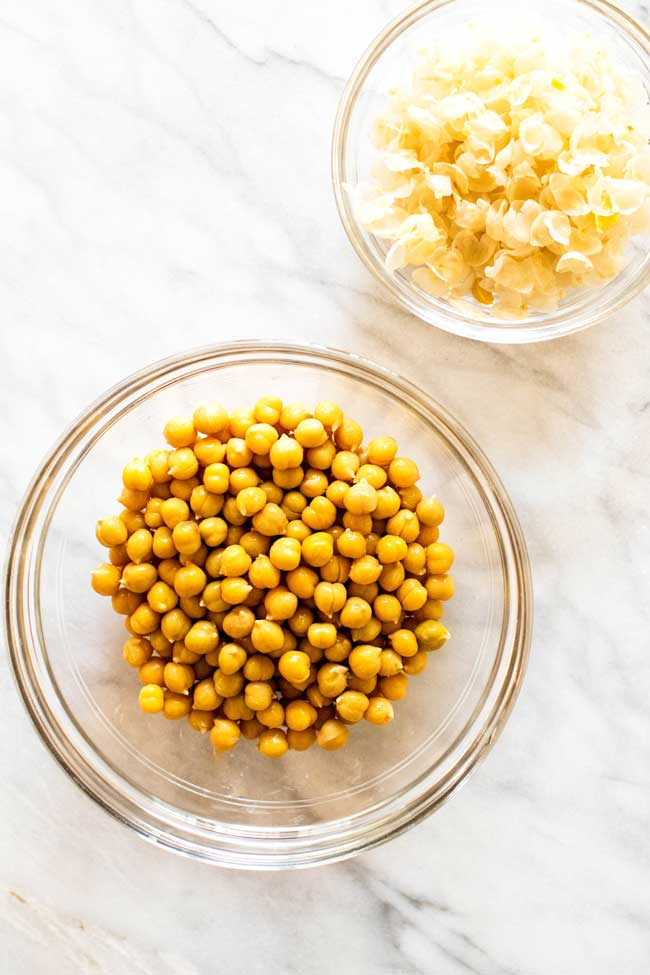 A bowl of peeled chickpeas