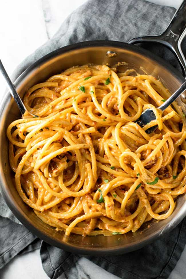 photo of sun dried tomato alfredo
