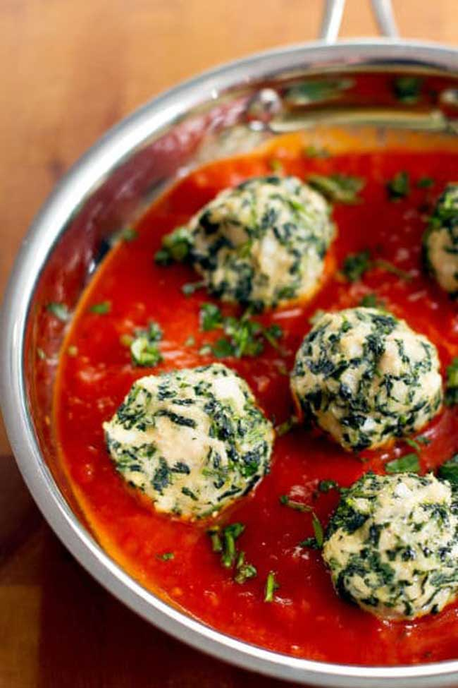 24 Meatball Recipes: Chicken and Spinach Meatballs