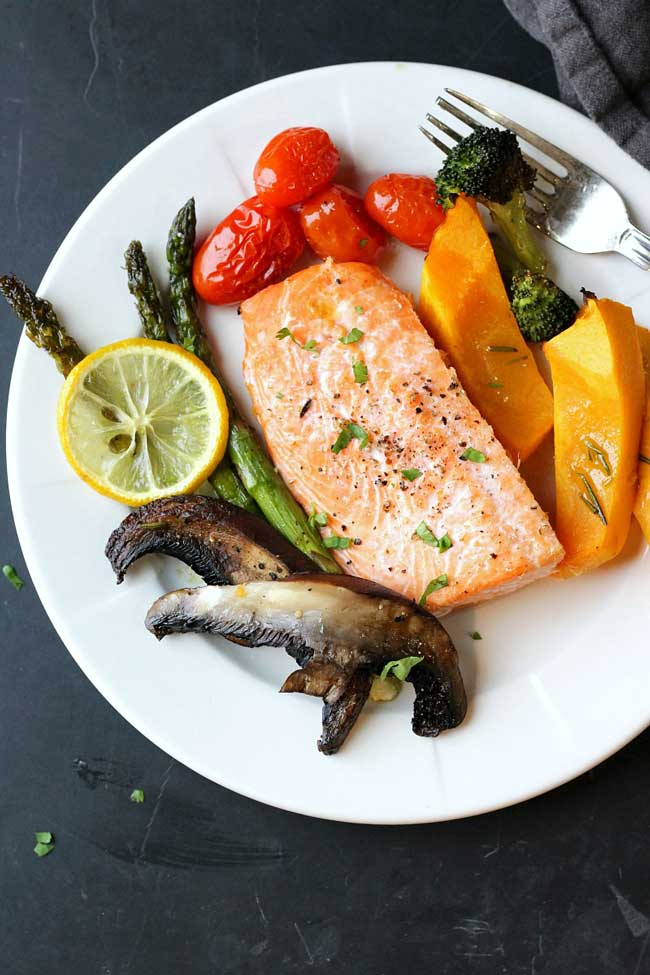 11 Easy Dinner Recipes for Two: Sheet Pan Salmon and Veggies