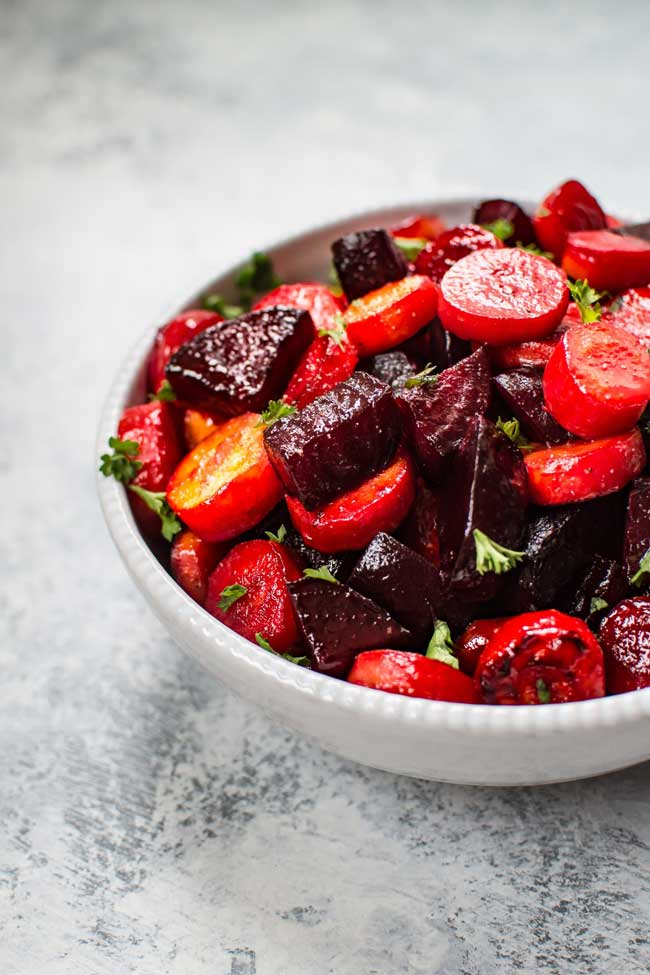 Easy Holiday Side Dishes: Roasted Beets and Carrots