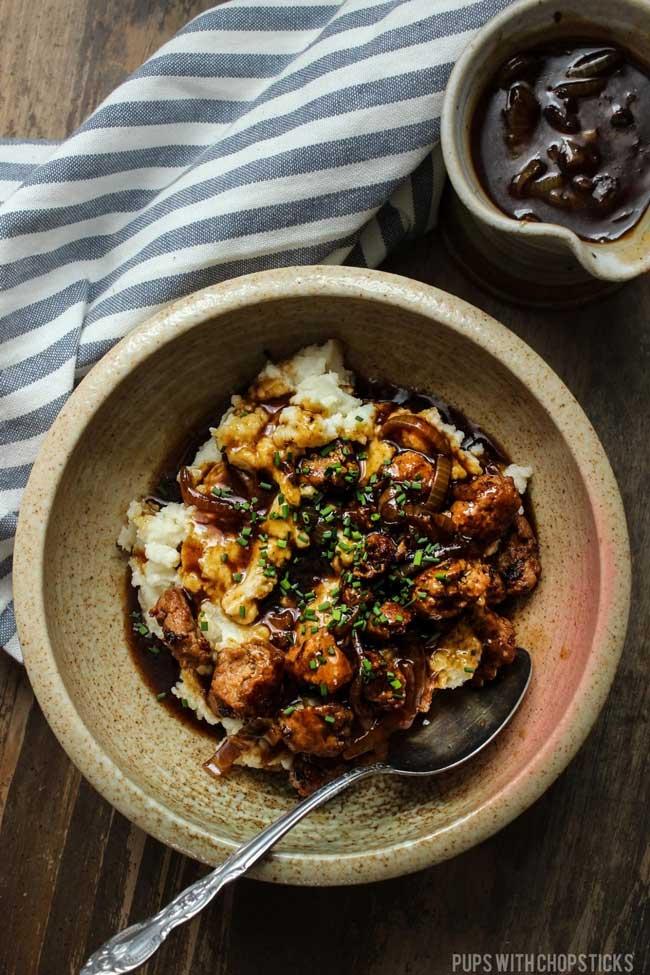 17 Comfort Food Recipes: Bangers and Mash