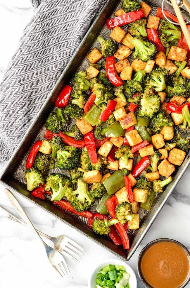 sheet pan crispy tofu vegetables with peanut sauce
