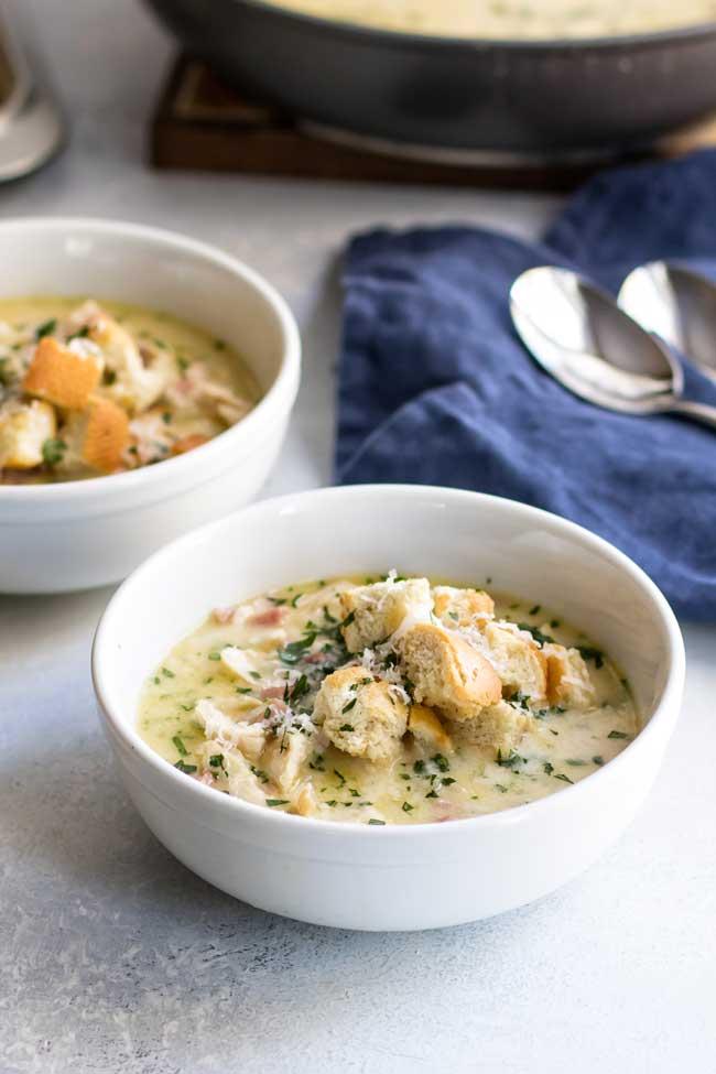 photo of a bowl of chicken cordon bleu soup