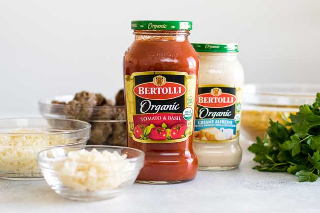 photo of two jars of sauces with other ingredients for the baked penne rosa