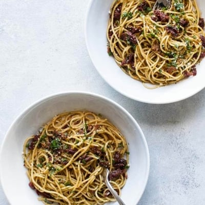 Sun-Dried Tomato Spaghetti with Bacon