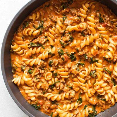 Easy Spinach-Sausage Pasta
